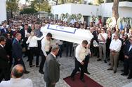 «Ράγισαν καρδιές» στην κηδεία του Αδαμάντιου Μαντή (φωτο)