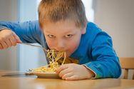 Τα μοναχοπαίδια υιοθετούν λιγότερο υγιεινές διατροφικές συνήθειες