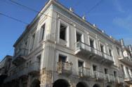 Το υπέροχο νεοκλασικό κτίριο στην πιο εμπορική γωνία της Πάτρας