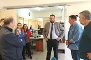 Πάτρα: Ο Νεκτάριος Φαρμάκης επισκέφθηκε τη Διεύθυνση Μεταφορών και το Μουσικό Σχολείο