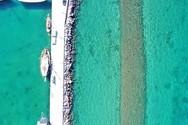 Δύο λιμάνια δίπλα - δίπλα που τα χωρίζουν 2.500 χρόνια (video)