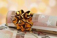 Ξεκινά σήμερα η καταβολή του Δώρου Χριστουγέννων από τον ΟΑΕΔ
