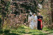 Η ταινία«Οι Δύο Πάπες» που βασίζεται σεπραγματικά πρόσωπα και γεγονότα έρχεταιστους κινηματογράφους!