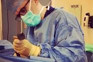 Υπό έρευνα πλαστικός χειρουργός που έκανε one night stand με ασθενή του!