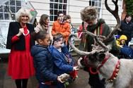 Η Camilla Parker στόλισε τα βασιλικά ανάκτορα μαζί με εκατοντάδες παιδιά! (φωτο)