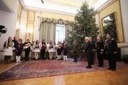 Κάλαντα και ευχές άκουσε στο Προεδρικό Μέγαρο ο Προκόπης Παυλόπουλος