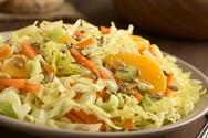 Ετοιμάστε λαχανοσαλάτα με πορτοκάλι