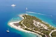 Μεγανήσι - Το νησί με τα αμέτρητα φιόρδ και τις κρυφές σπηλιές (video)