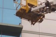 «Κινηματογραφική» διάσωση γάτας από το περβάζι έκτου ορόφου (video)