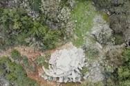 Δρακόσπιτο Υμηττού - Η άγνωστη αρχαιότερη κατοικία της Αττικής από ψηλά (video)