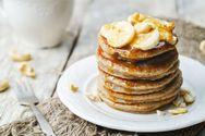 Ετοιμάστε τηγανίτες με μπανάνα