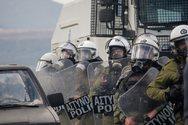 Πέτσας: Αποσύρονται από Χίο και Λέσβο οι δυνάμεις των ΜΑΤ που πήγαν για ενίσχυση