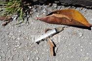 Πάτρα: Οι τοξικομανείς βρήκαν... καραντίνα και έκαναν χρήση στην πλατεία Βουδ