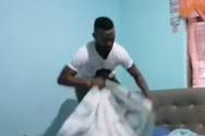 Πήγε να τρελάνει τη μητέρα του με μια απίστευτη φάρσα (video)