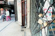 Πάνω από 100 εμπορικά μαγαζιά στην αγορά της Πάτρας δεν ανέβασαν ποτέ τα ρολά τους
