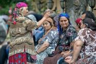 Ναύπακτος - Ρομά πήγε να πάρει ρούχα για τα παιδάκια της από σύλλογο και την πέταξαν έξω