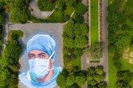«Είμαστε το φως»... Μια τοιχογραφία για τους ισπανόφωνους Αμερικανούς υγειονομικούς