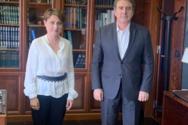 Η Χριστίνα Αλεξοπούλου στον Μιχάλη Χρυσοχοΐδη