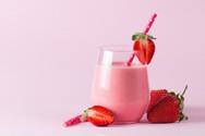 Δροσερό και θρεπτικό smoothie φράουλας
