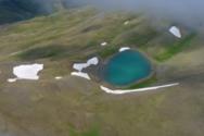 Η λίμνη Γκιστόβα άνωθεν (video)