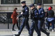 Παρίσι: Εκκενώνεται εμπορικό κέντρο - Έρευνες της αστυνομίας για ένοπλο