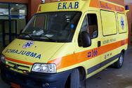 Πάτρα: Άτομο εντοπίστηκε πεσμένο στο οδόστρωμα - Στο σημείο το ΕΚΑΒ