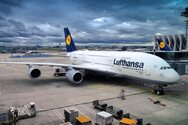 Lufthansa: Aνακοίνωσε περικοπή σε διοικητικές υπηρεσίες και διευθυντικές θέσεις