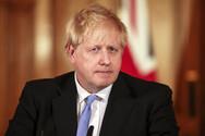 Ο Μπόρις Τζόνσον προτρέπει τους Βρετανούς να κάνουν διακοπές στη χώρα τους