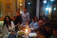 Νυχτοπερπατήματα στην Πάτρα για τους πρωταγωνιστές της παράστασης «Προσοχή, ο φίλος δαγκώνει»!