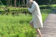 Τρέχοντας πάνω σε πλωτό γρασίδι (video)