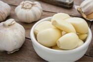 Πώς να ξεφλουδίσεις εύκολα το σκόρδο