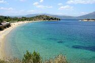 Η εντυπωσιακή παραλία Νησιώτισσα στην Εύβοια (video)