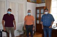 Πάτρα: Συνάντηση Κώστα Πελετίδη με τον καθηγητή Χαράλαμπο Γώγο στο Δημαρχείο