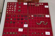 Πάτρα - Σύλληψη αρχαιοκάπηλου: Αντικείμενα ανεκτίμητης αξίας εκτός των νομισμάτων εντόπισαν οι λιμενικοί (φωτο)