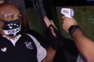 Παίκτης ομάδας μπέρδεψε το θερμόμετρο με πιστόλι