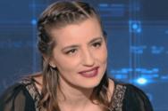 H Μαρία Κίτσου απολαμβάνει τις βουτιές στην πισίνα (video)