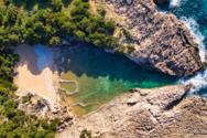 Γλώσσα - Η ομορφότερη φυσική πισίνα της Μεσογείου (video)