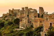 Αρεόπολη - Ανακαλύπτoντας τον ιστορικό οικισμό της Λακωνίας (video)