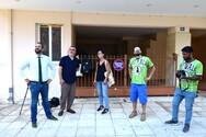 Πάτρα: Ο Νεκτάριος Φαρμάκης επισκέφτηκε το mural της Μελίνας Μερκούρη