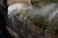 «Αντίστροφος» καταρράκτης: Απίστευτο φαινόμενο προκάλεσαν ισχυροί άνεμοι στη νότια Αυστραλία (video)