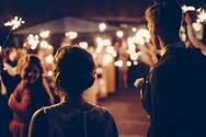 Πάτρα: Προεόρτια γάμου στην ταράτσα με κόσμο και τον ιό να