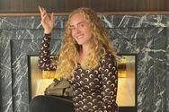 Μια διαφορετική Adele - Σούπερ αδυνατισμένη με μπικίνι και κοτσιδάκια (φωτο)