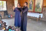 Ο παπά Αντώνης που άφησε το Ίσωμα της Αχαΐας για να πάει ιεραπόστολος στη Ζάμπια