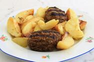 Συνταγή για τα πιο αφράτα και ζουμερά μπιφτέκια