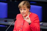 Μέχρι την Τετάρτη αποφασίζει η Μέρκελ για την υποδοχή προσφύγων από τη Λέσβο