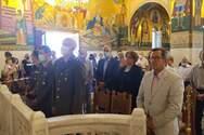 Χωρίς μάσκα ο Νίκος Νικολόπουλος στον Ιερό Ναό Αγίας Σοφίας