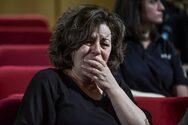 Ξέσπασε σε λυγμούς η Μάγδα Φύσσα μετά την απόφαση του δικαστηρίου για τη Χρυσή Αυγή