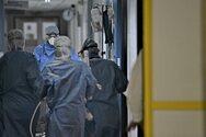 Κορωνοϊός: Ρεκόρ νοσηλευόμενων στο ΕΣΥ και στις ΜΕΘ