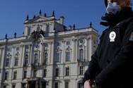 Κορωνοϊός - Τσεχία: Η χώρα με τους ταχύτερα αυξανόμενους ρυθμούς μόλυνσης