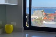 Παπαγάλος κάνει... διάρρηξη από παράθυρο σπιτιού (video)